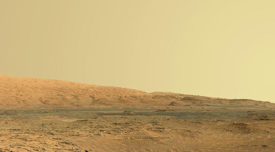 Снимок кромки кратера Гейла на 739 сол работы