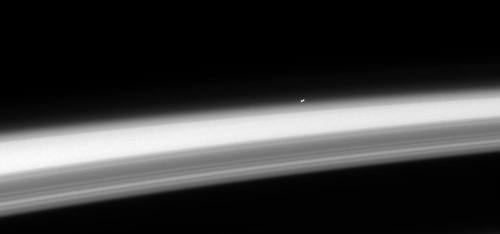 α Центавра А и В над горизонтом Сатурна