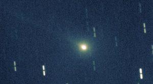 Фотография кометы под названием 55P/Темпеля — Туттля, сделанная Японской национальной астрономической обсерваторией 17 ноября 1998-го года.