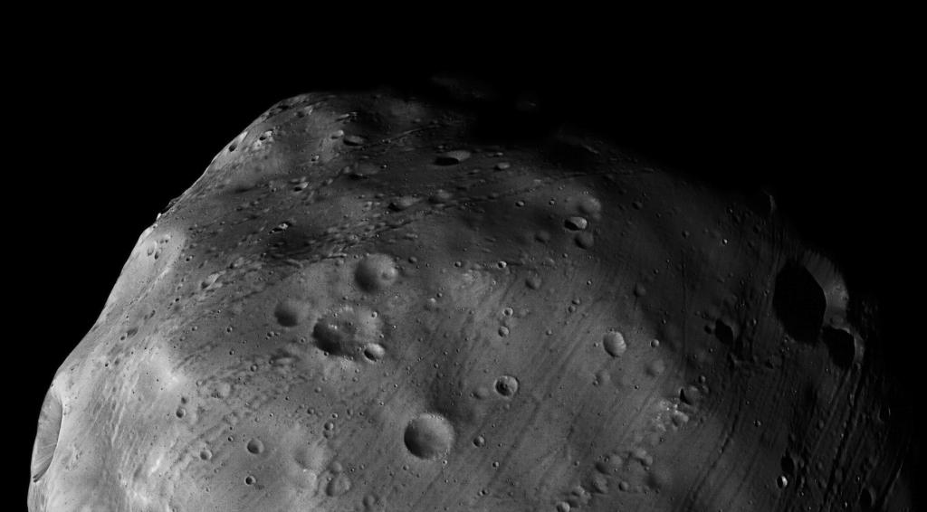 Поверхность спутника Марса - Фобоса
