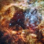R136 — компактное звёздное скопление, которое находится в центре туманности «Тарантул»
