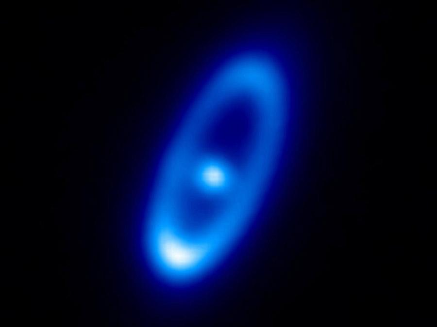 Пылевой диск вокруг звезды