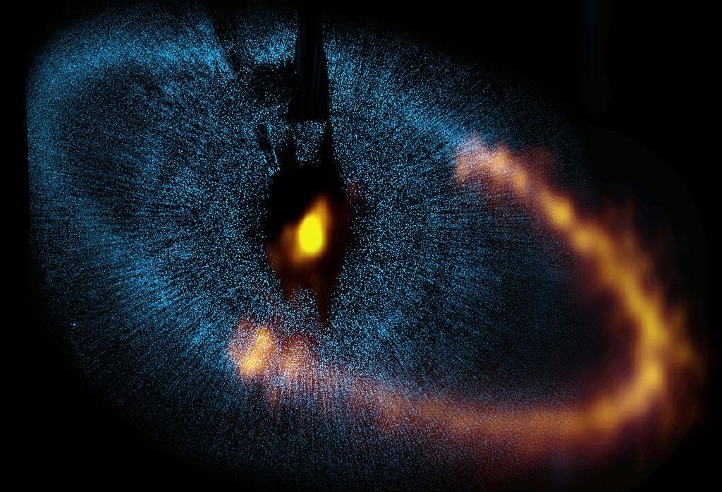 Кольцо пыли вокруг звезды Фомальгаут, снимок радиотелескопа ALMA
