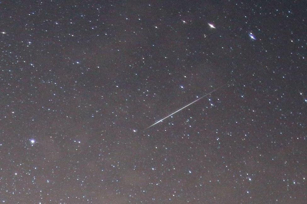 Метеор Квадрантид на фоне Малой Медведицы