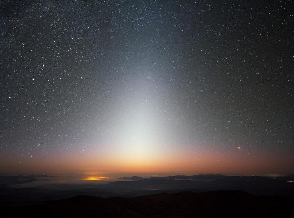 Зодиакальный свет