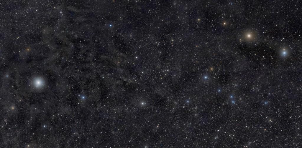 Астеризм малый Ковш, слева видна Полярная звезда, автор снимка Rogelio Bernal Andreo