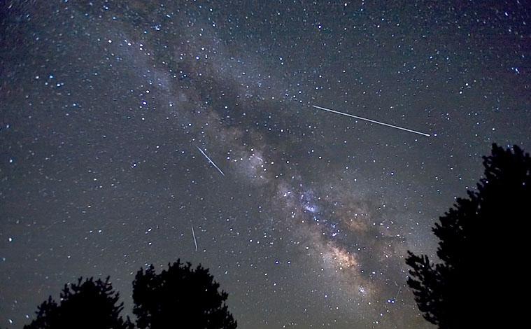 Метеорный поток Лириды