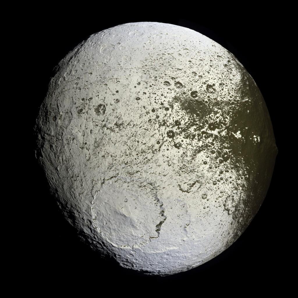 Япет - спутник Сатурна