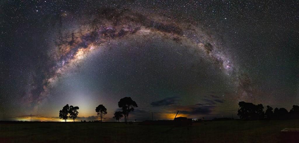 Млечный Путь и зодиакальный свет