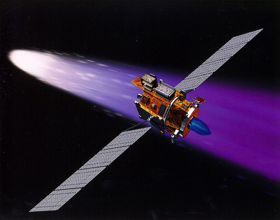 Аппарат «Deep Space 1» на фоне кометы Борелли