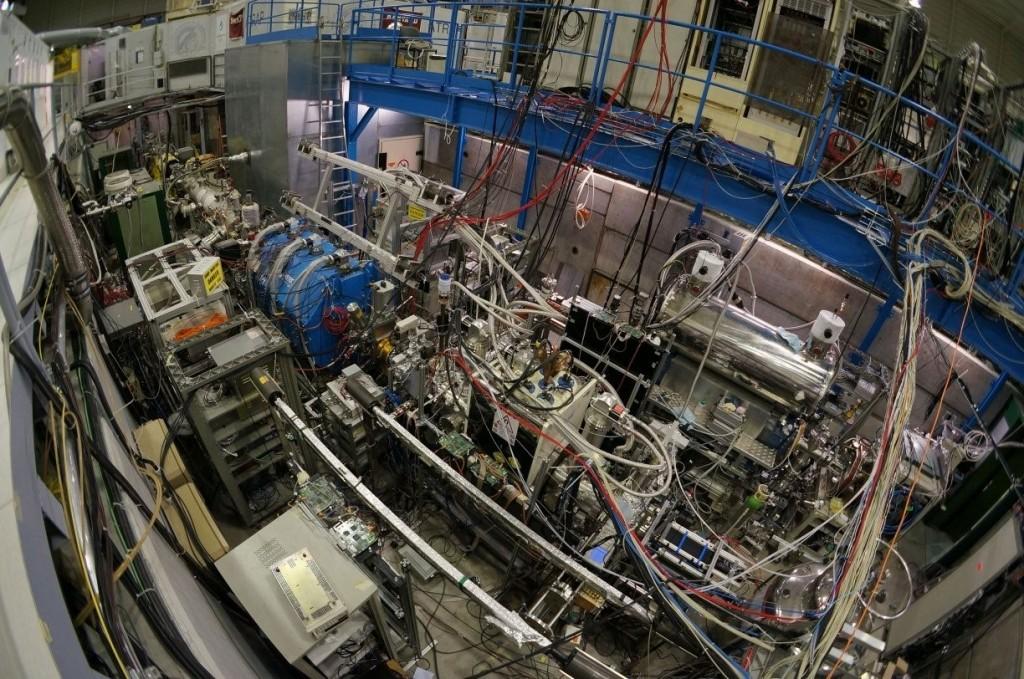 Общий вид установки ASACUSA в ЦЕРНе