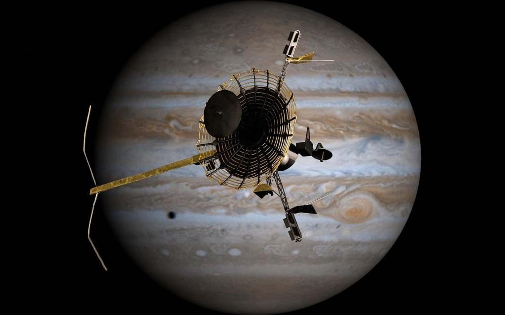 Зонд Галилео на фоне Юпитера
