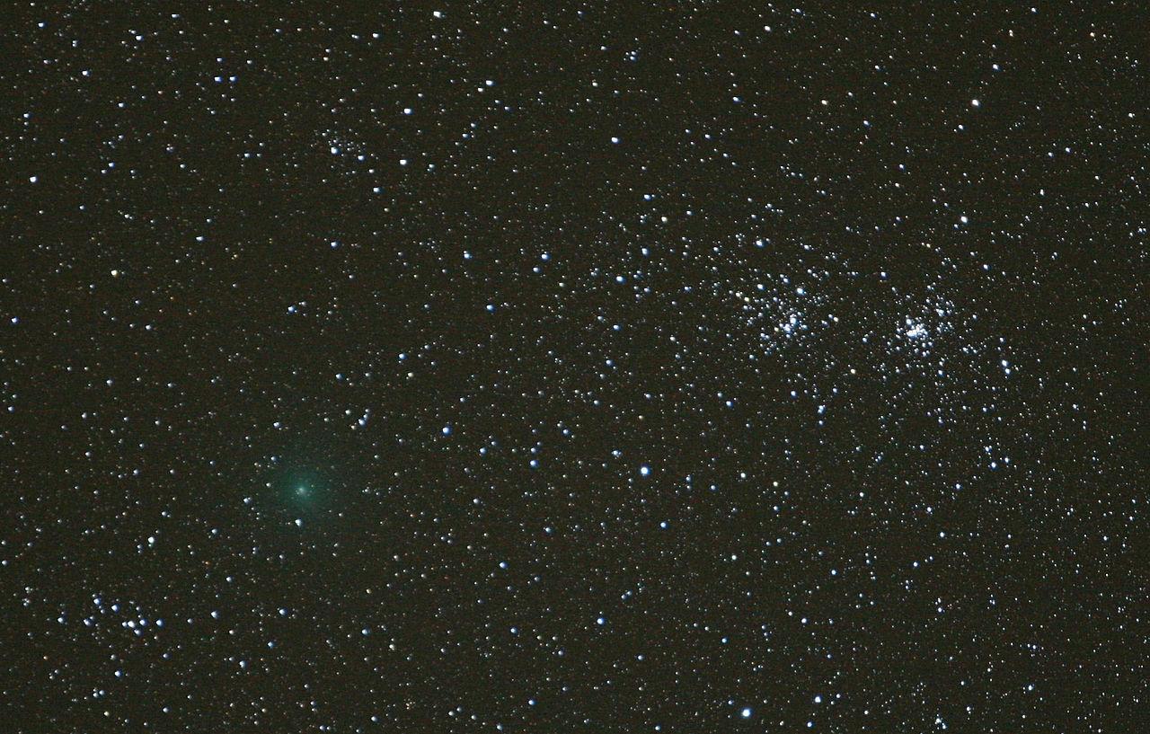 Комета Хартли-2 на звездном небе 9 октября 2010 года