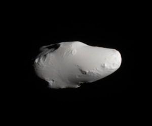 Крошечный спутник Сатурна Калипсо.