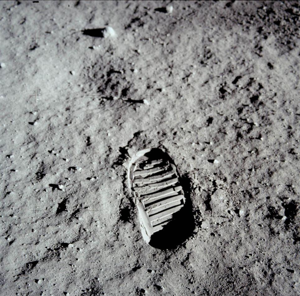 Отпечаток ноги Нила Армстронга