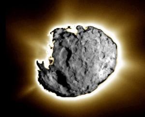 Высококонтрастное изображение кометы Вильда-2