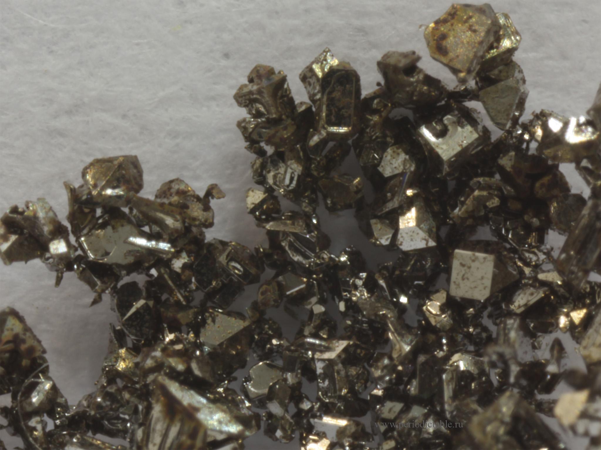 Выращенные кристаллы железа — микроскопические копии кристаллов внутреннего ядра