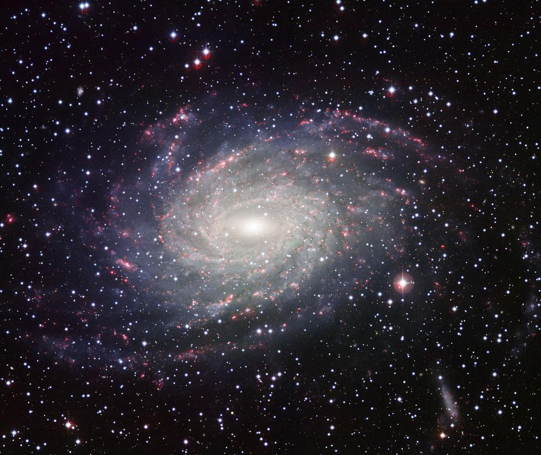 Галактика NGC 6744, которая считается очень похожей на Млечный Путь.