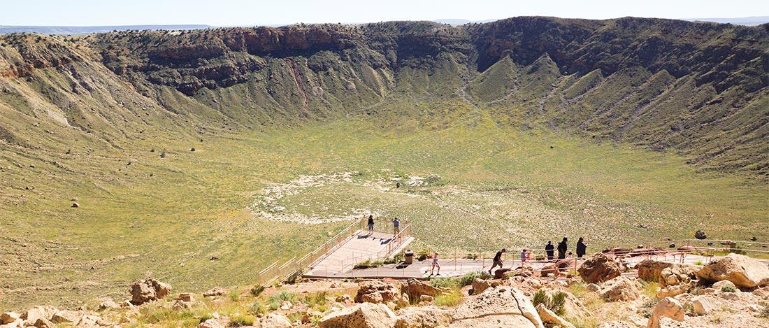 Цветущий Аризонский кратер весной