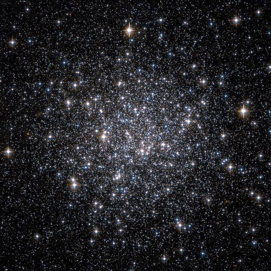Шаровое звездное скопление M68. Фото телескопа Хаббл.