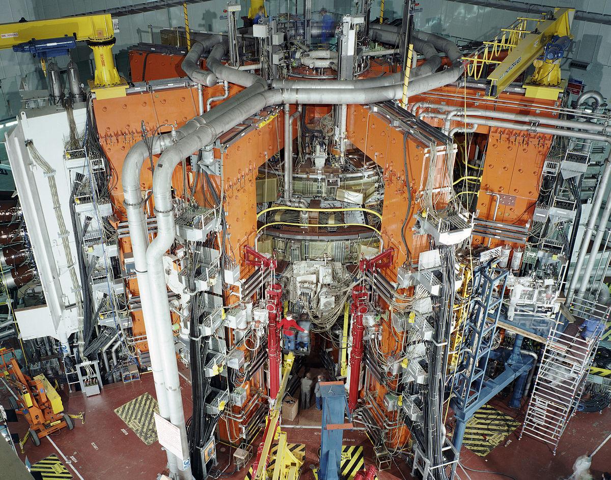 Термоядерный реактор ДЖЕТ