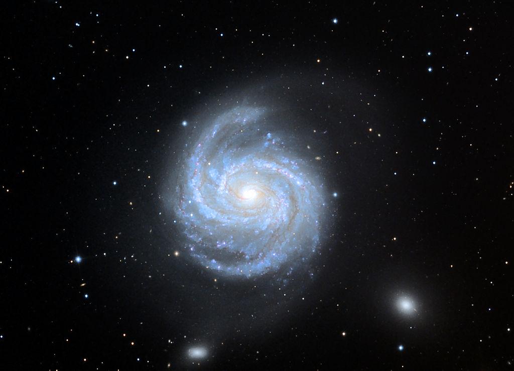 Галактика M100