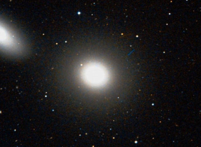 Галактика M105