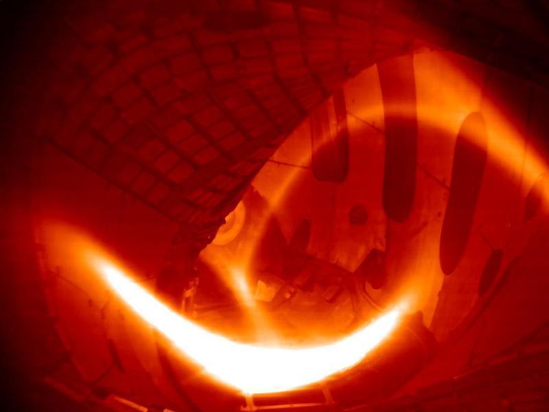 Фото первой водородной плазмы W7-X