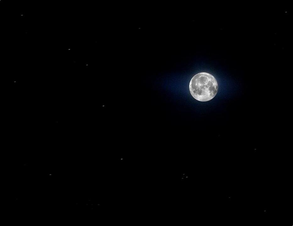 Звезды на снимках Луны